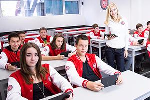 Učenici ITHS u učionici